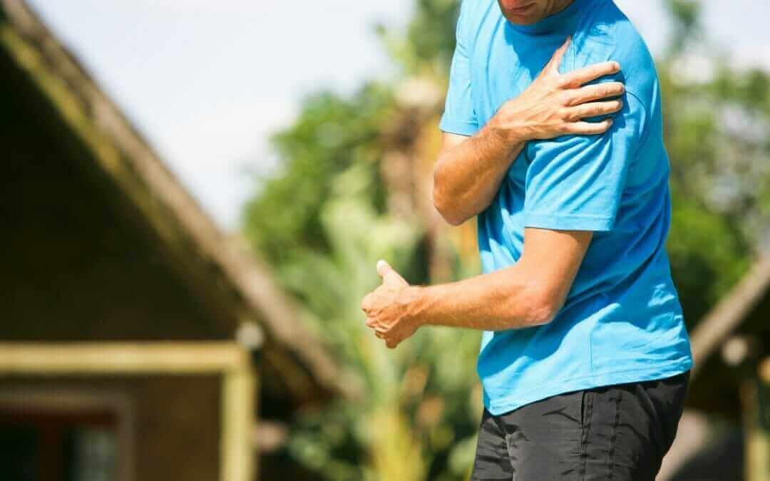 What is Causing My Shoulder Pain? 5 Reasons Your Shoulder May Be Hurting and What to Do About it