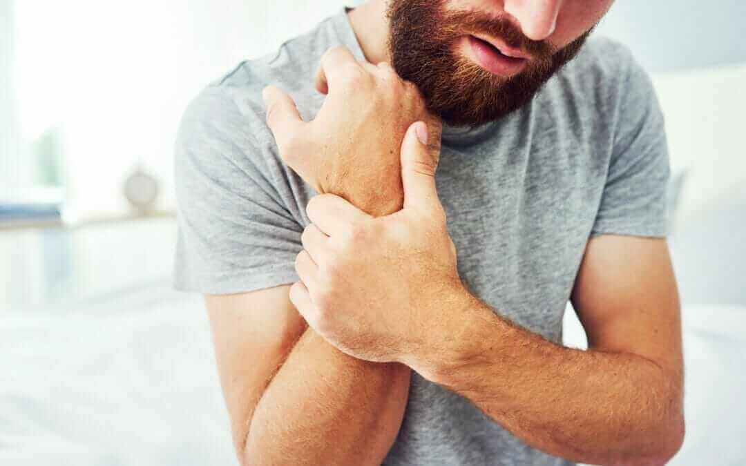 Understanding the Signs and Symptoms of Carpal Tunnel Syndrome
